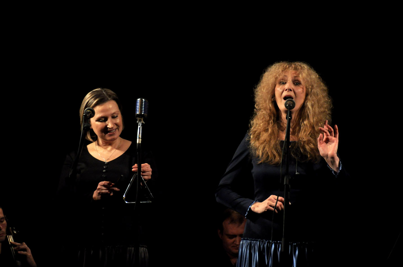 Сестри Тельнюк проклали поетично-музичну «Дорогу зі скла»